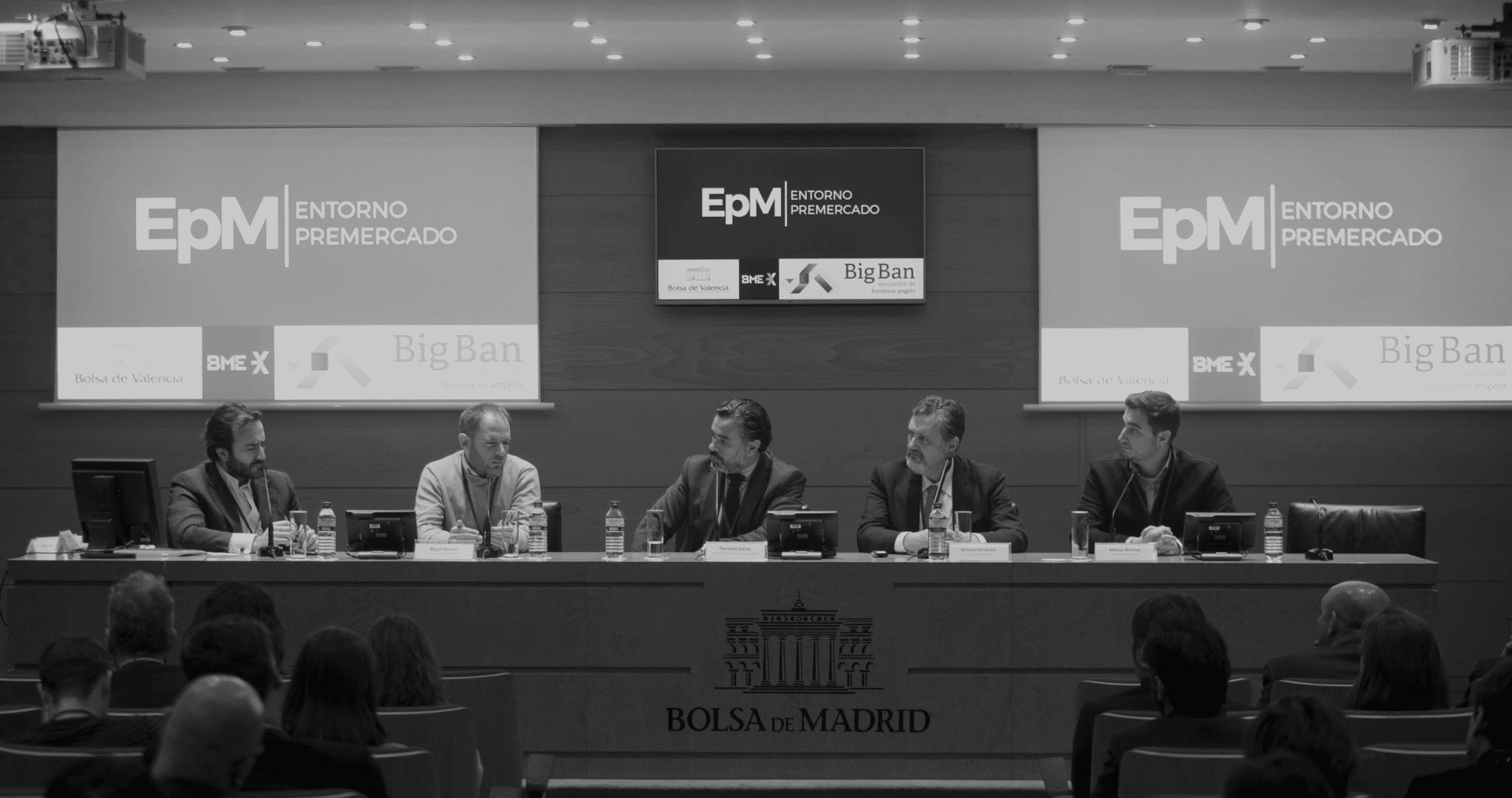 Alfonso Martínez, primero por la derecha, el pasado 6 de febrero en la presentación de entorno pre-mercado en la bolsa de Madrid. Foto: Grupo BME.